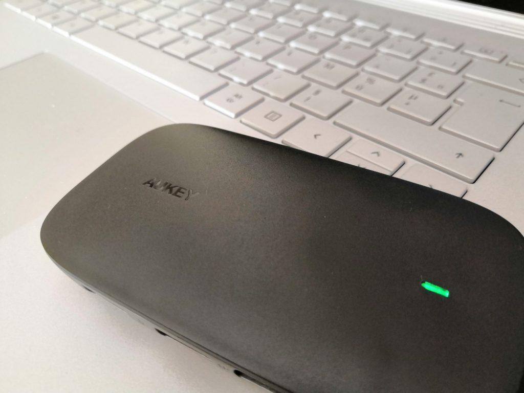 Hub USB C CB-C68 Aukey voyant vert en marche
