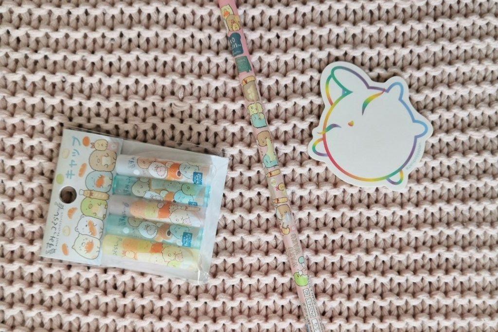 zenpop boulangerie de Sumikko novembre 2019 Kawaii Box Papeterie bullet journal bujo Sumikko Gurashi crayon papier capuchon pencil cap
