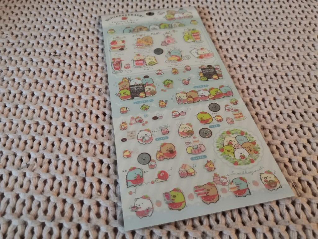 planche de stickers Sumikko Gurashi pâtisserie fraises box papeterie zenpop mai chats crafts