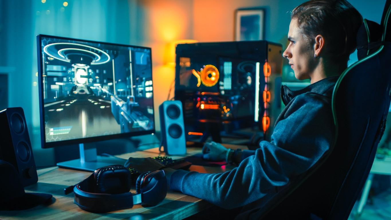 joueur pc gaming fps